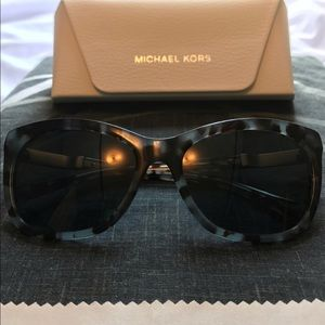 🌴✨ EUC Michael Kors Polarised Sunglasses ✨🌴